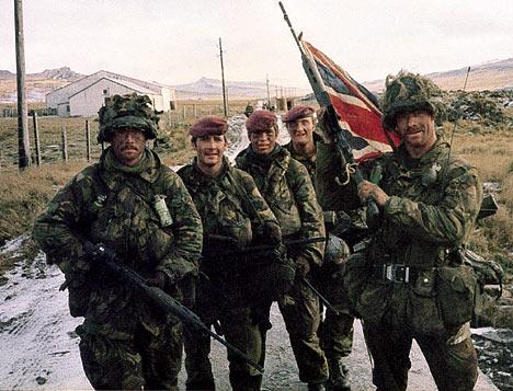 Photo of قائد الجيش البريطاني السابق يحذّر من ضياع جزر الفوكلاند للأبد