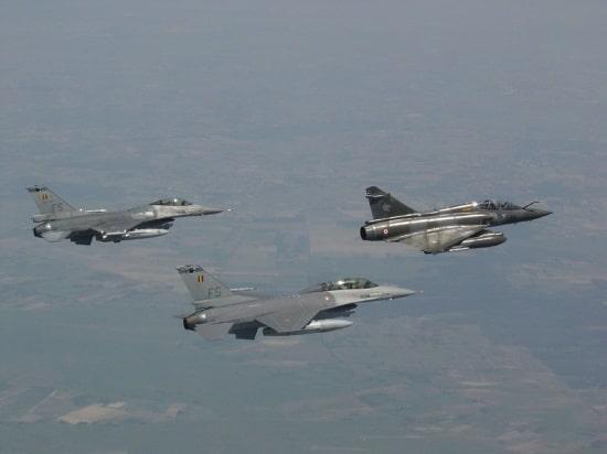 Photo of العراق يريد شراء مقاتلات أف-16 الأميركية وميراج 2000 الفرنسية