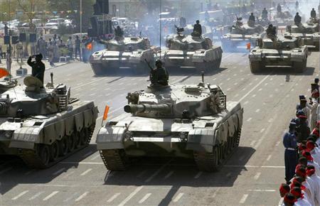 Photo of السودان يشتري السلاح وينزلق مجددا نحو الحرب