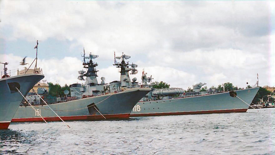 Photo of مدفيديف: يجب استعادة جبروت الاسطول البحري الحربي الروسي