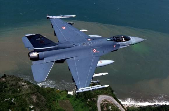 Photo of تعزيز القدرات القتالية والملاحية لمقاتلات أف – 16 التركية