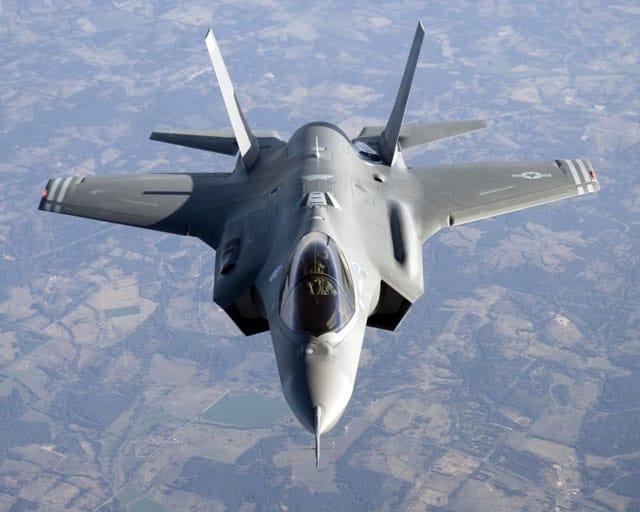 "Photo of اسرائيل تقرر شراء طائرة الشبح ""اف-35 "" الاكثر تطورا في العالم"