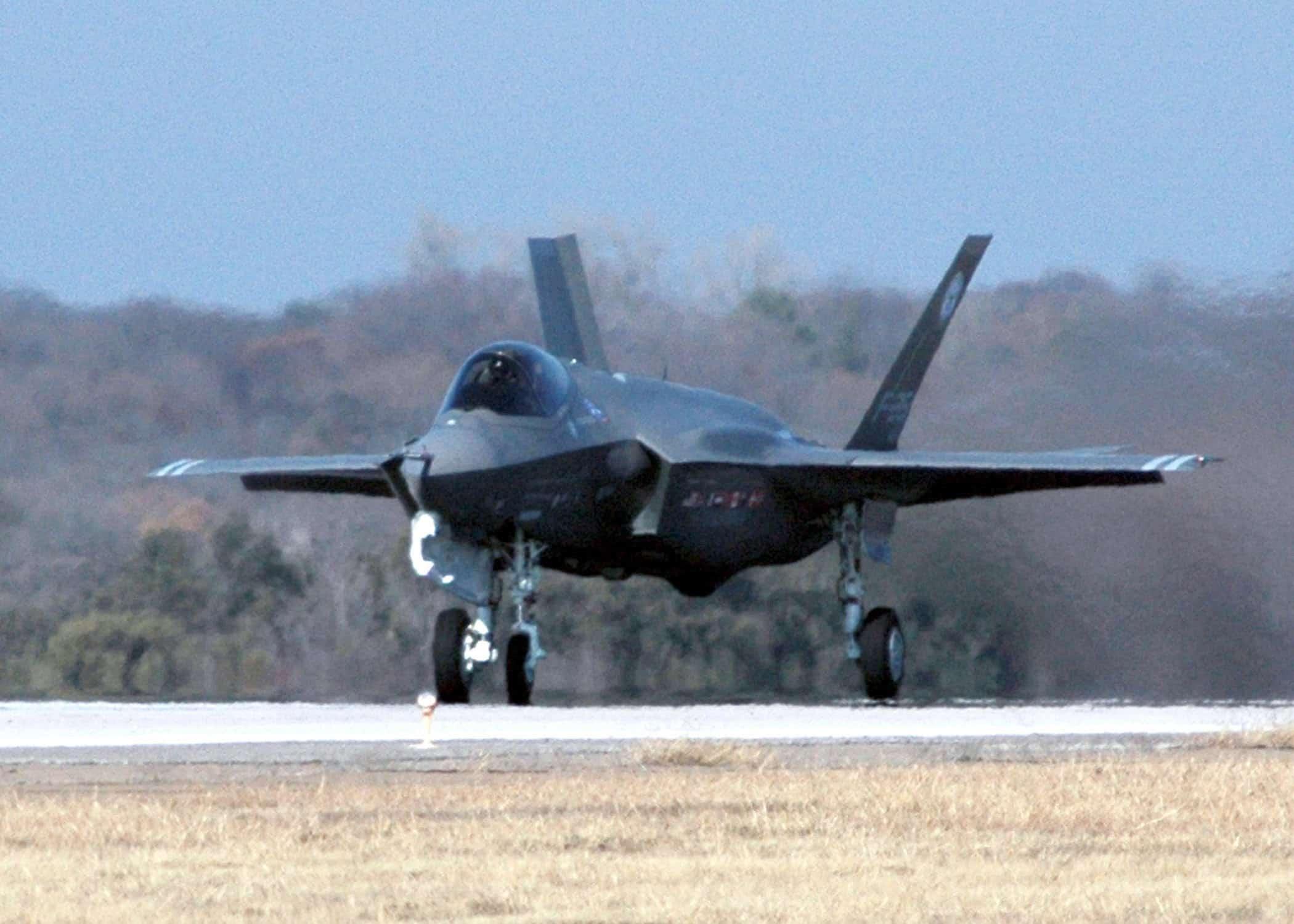 Photo of سعر الطائرة F-35 يقفز الي 135 مليون دولار لطائرة