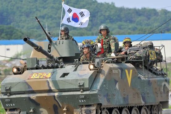 Photo of الإمارات العربية المتحدة تعزز الروابط الدفاعية مع كوريا الجنوبية