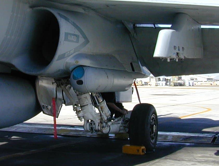 Photo of حواضن التهديف ATFLIR للمقاتلات F/A-18 Hornet السويسرية