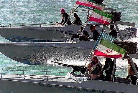 Photo of قائد القوة البحريه الأيرانيه يقول إيران تحتل الموقع الأول في المنطقة