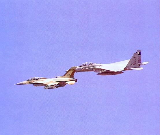 Photo of طائرات اف 16 مقاتلة وأسلحة اسرائيلية للبيع