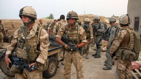Photo of بريطانيا تحذر جنودها من المشاركة فى نشاط رابطة الدفاع الانجيلزية