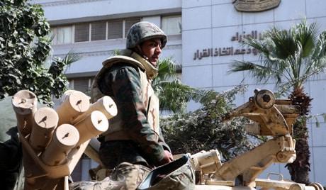 grey مصر ترغب بالحصول على كميات كبيرة من الأسلحة الروسية