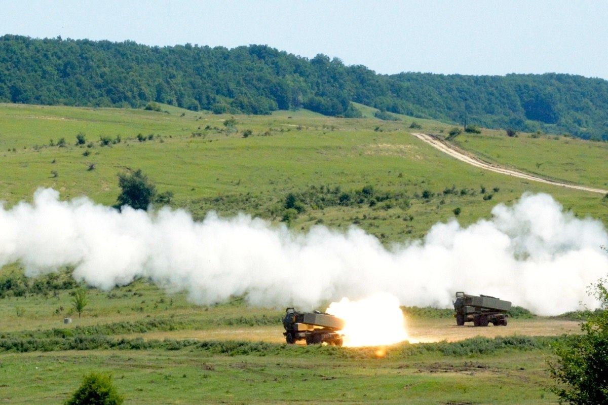 Photo of بولندا تسرع من عملية اقتناء راجمة الصواريخ HIMARS