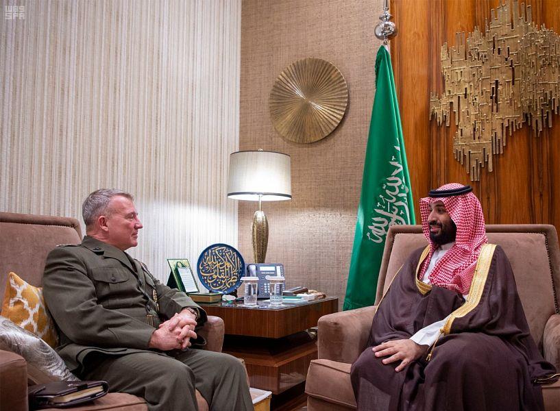 Photo of بالصور..الأمير محمد بن سلمان يلتقي قائد القيادة المركزية الأمريكية