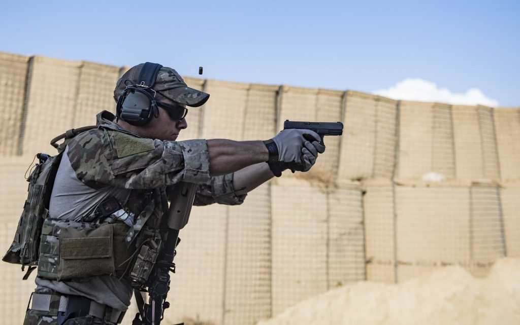Photo of الجمارك الأمريكية تمنح غلوك عقدًا بقيمة 85 مليون دولار لمسدسات الجيل القادم