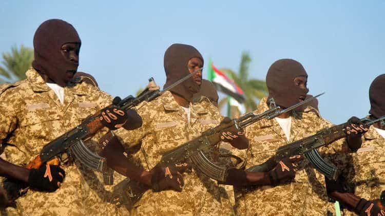 Photo of المجلس العسكري الانتقالي يبقي قوات بلاده المشاركة ضمن التحالف العربي في اليمن
