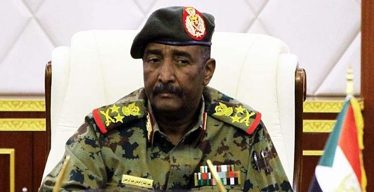Photo of رئيس المجلس العسكري السوداني يتلقى إتصالات دعم من السعودية وقطر والإمارات