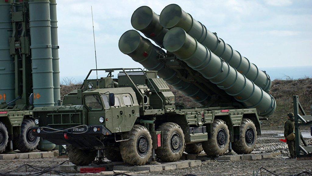"Photo of بالفيديو ..مقارنة بين  صواريخ ""إس 400″ الروسية و""باتريوت"" الأمريكية"