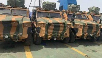 Photo of وصول دفعة كبيرة من الأسلحة التركية لطرابلس ..صور وفيديو
