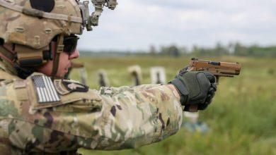 Photo of تدريبات أمريكية على أحدث مسدس أمريكي M17