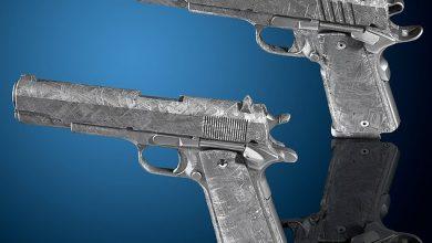 Photo of عرض مسدسين مصنوعين من النيزك بـ 1.5 مليون دولار ..صور