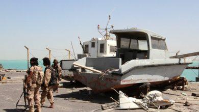 Photo of ضباط الجيش السعودية يتسلمون مواقع أخلتها قوات إماراتية