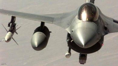 Photo of تحطم مقاتلة بلجيكية إف- 16 والطيار عالق بين أسلاك الكهرباء..فيديو