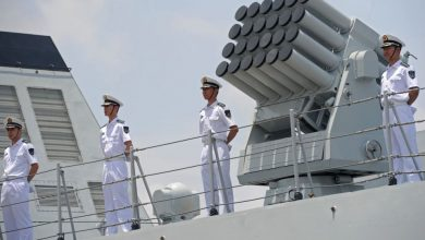 Photo of الصين تدشن أول سفينة إنزال صنعت بالكامل على أراضيها