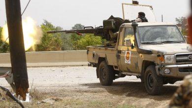 Photo of الوفاق تسيطر على مخزن أسلحة كبير في طرابلس..فيديو