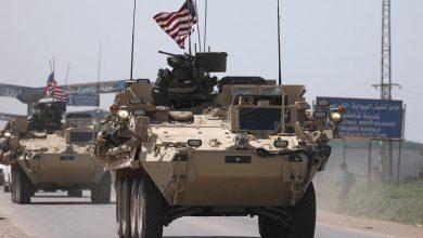 Photo of لحظة إلتقاء الجيش السوري والقوات الأمريكية المنسحبة على نفس الطريق..فيديو