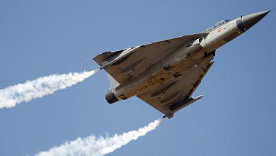 "Photo of الهند تختبر طائرة ""تيجاس"" بعد تزويدها بصواريخ روسية وإسرائيلية"