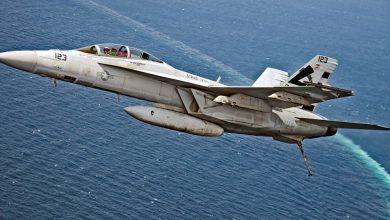 """Photo of تصادم بين طائرتين حربيتين أمريكيتين فوق بحر اليابان بسبب """"سيلفي"""""""