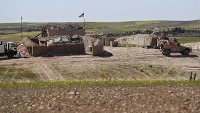 Photo of قوات أمريكية تمر من نقطة للجيش السوري لتنتشر في القامشلي ..فيديو