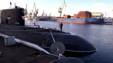 Photo of شاهد ..روسيا تدشن أول غواصة تعمل بالكهرباء والوقود..فيديو