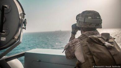 Photo of بارجة أمريكية صادرت أجزاء صواريخ إيرانية في بحر عمان