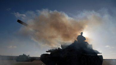 Photo of جيش حفتر يطلق وابلا من الصواريخ على طرابلس (فيديو)