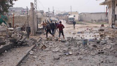 Photo of غارات سورية و روسية  قوية على ريفي حلب وإدلب ومقتل مدنيين