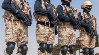 Photo of الحرس الوطني السعودي يستعرض فنون القتال بفرضيات الاقتحام الجوي ..صور