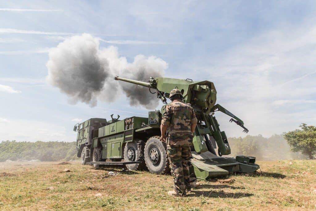 مدفع D-30 من أفضل أسلحة مدفعية الميدان في العالم