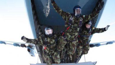 Photo of لأول مرة في العالم فريق مظلي روسي يقفز من ارتفاع 10 آلاف متر..فيديو