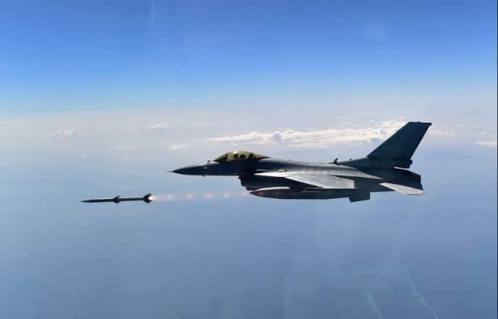 KF-16 مقاتلة كورية تحمل مواصفات F-16 الأمريكية