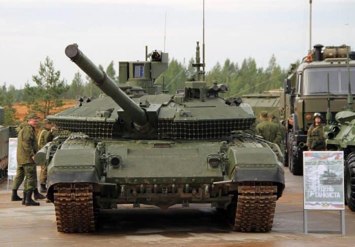 الجيش الروسي يستلم دبابات T-90M ومركبات عسكرية جديدة