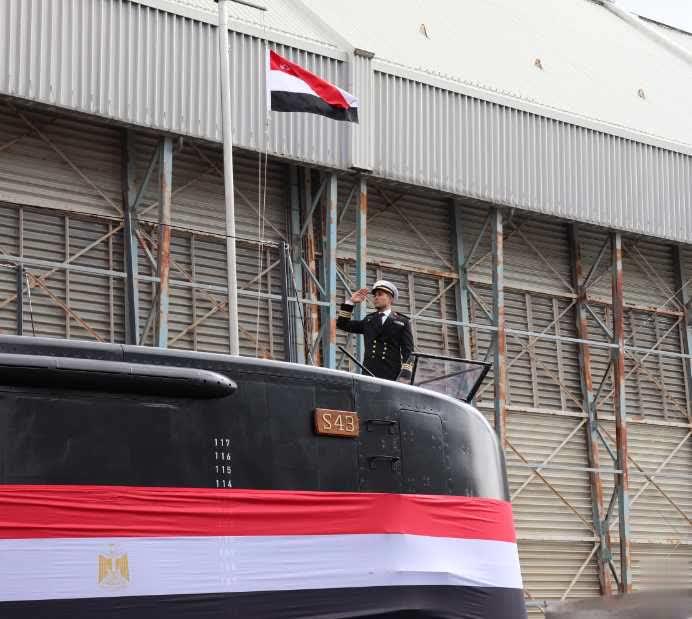 مصر ترفع العلم المصري على سلاحها الجديد المتطور