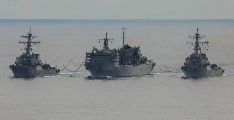 سفن أمريكية وبريطانية تجري تمرينًا في القطب الشمالي لمواجهة روسيا
