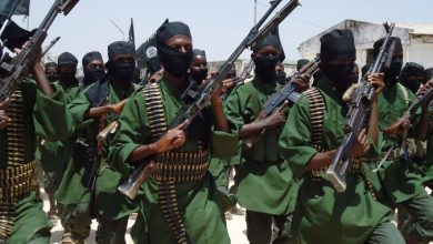 Photo of حركة الشباب تتبنى هجوماً انتحارياً يسفر عن مقتل محافظ مدغ الصومالي و 3 من حراسه