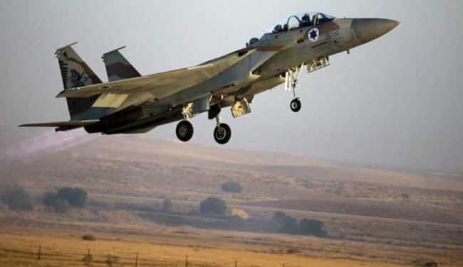 طائرات إسرائيلية تقصف مدينة حلب عبر قاعدة التنف الأمريكية في سوريا..فيديو
