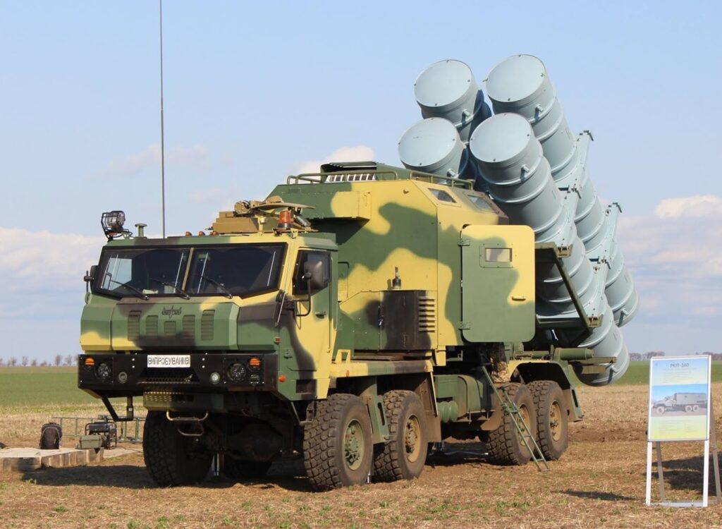 شاهد إطلاقًا صاروخيًا جديدًا لصواريخ كروز الأوكرانية R-360