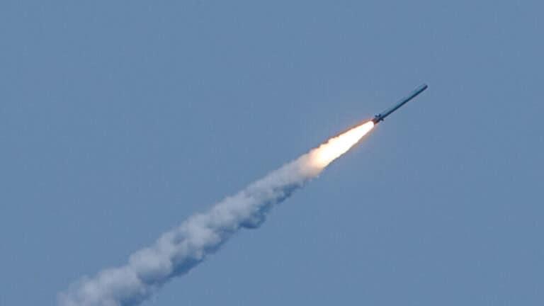 """صواريخ """"تسيركون"""" فرط الصوتية تدخل الخدمة فعليا في 2021"""