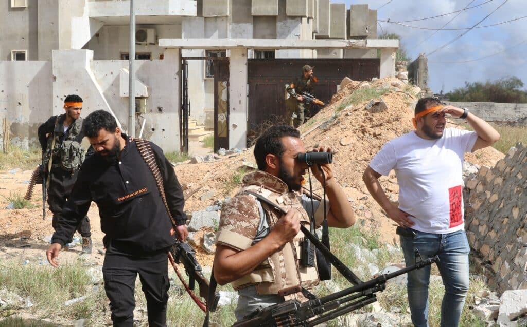 ما أهمية سيطرة حكومة الوفاق الليبية على قاعدة الوطية الجوية؟