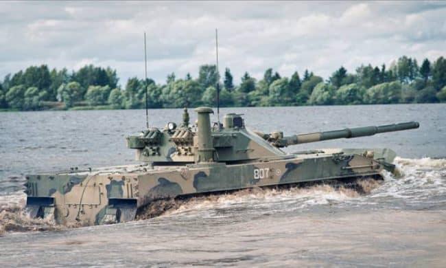 """""""أنتانسينا"""" دبابة عائمة إندونيسية تسعى روسيا لشرائها"""
