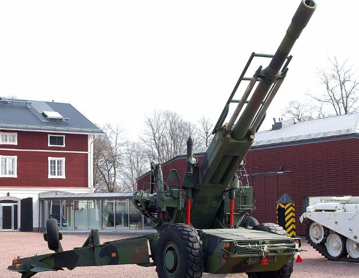 FH-77 مدفع سويدي مازال في الخدمة رغم قدمه
