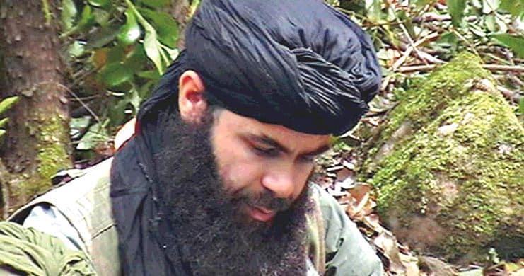 """الدفاع الفرنسية تكشف تفاصيل مقتل زعيم القاعدة """"ببلاد المغرب"""""""