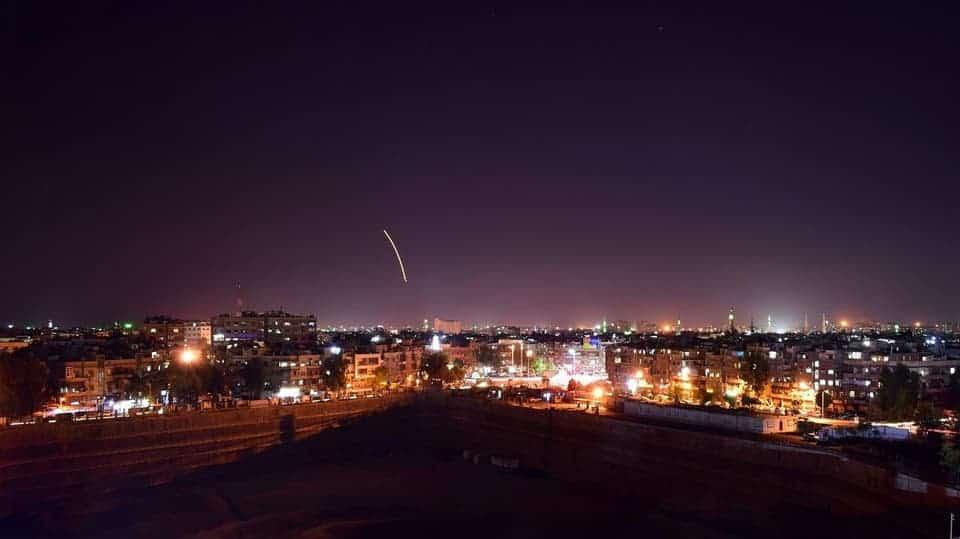 هجمات إسرائيلية تدمر مخازن أسلحة إيرانية وتوقع قتلى في سوريا
